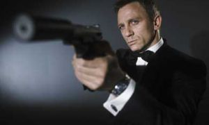 Steely and smooth, Daniel Craig returns in the lastest twist in the Bond-lineage where sex-romps are replaced by revenge, leaving traditional Bond-goers out in the cold.