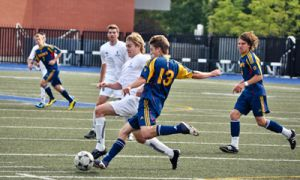 The men's soccer team took on the University of Toronto Varsity Blues in a 1-0 loss this weekend.