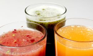 According to many juice cleanse claims, people on the diet will give their digestive systems a break, experience decreased bloating, increased energy and clearer skin. However, many health experts advise caution.