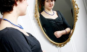 According to Psychotherapist and Eating Disorder Specialist Heidi Mack, negative body image can affect a person's social life, love life and confidence.
