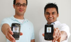 Michael La Fleur and Dhynanesh Chaudhari have collaborated to create a new Blackberry application Lynked.