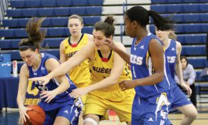 The women's basketball team won two straight home games this weekend to move into third place in the OUA East.