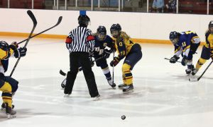 Queen's dropped three straight one-goal games last weekend, including a 5-4 overtime defeat to Calgary and a 2-1 loss to UBC in the fifth-place game (above photo).