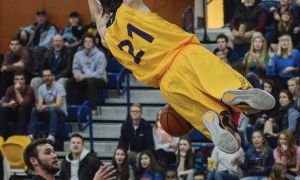 Greg Faulkner racked up 29 points for the Gaels in a losing effort against the Waterloo Warriors last Friday.