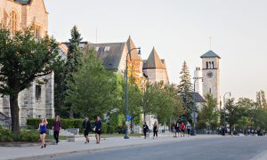 Queen's ratifies agreements with the Canadian Union of Public Employees.