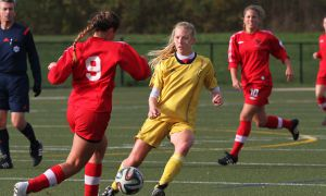 Jessie de Boer scored the game-winning goal against the University of Toronto.