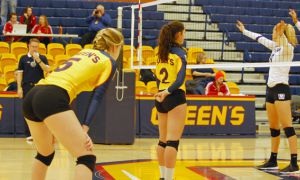 The women's volleyball team started the second half of the season with a win against the RMC Paladins this Sunday.