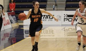 Fifth-year Marianne Alarie scored nine points for Queen's on Saturday night against U of T.